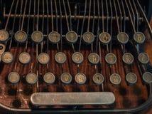 Das Fragment einer alten und Weinleseschreibmaschine Stockbilder