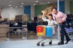Das freundliche Einkaufen Stockfotografie