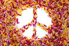 Das Friedenssymbol innerhalb der Blumenblätter Lizenzfreie Stockbilder