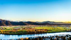 Das fruchtbare Ackerland Fraser Valleys im Britisch-Columbia lizenzfreies stockbild