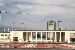 Das Fußballstadion von Tirana, Albanien lizenzfreies stockfoto