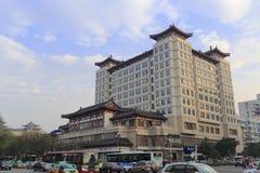 Das Gebäude hat das Dach der Tang-Dynastie-Art, luftgetrockneten Ziegelstein rgb Lizenzfreies Stockfoto