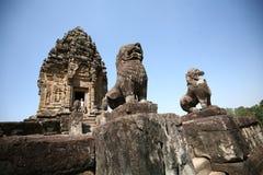 Das Gebäude von Angkor-Tempeln--Bakong Wat, Kambodscha Lizenzfreies Stockfoto