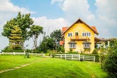 Das gelbe Haus von Pai Stockbilder