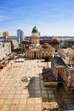 Das Gendarmenmarkt und die deutsche Kathedrale in Berlin Lizenzfreie Stockfotos