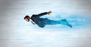 Das Geschäftsmannfliegen Super schnell mit Daten nummeriert nach links hinten lizenzfreie stockfotografie
