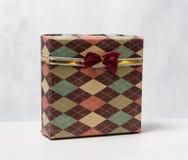 Das Geschenk der Männer in einem schönen Kasten Stockfotos