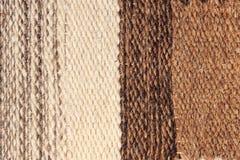 Das gestreifte Kamelwollgewebe-Beschaffenheitsmuster als abstraktes backgro Stockfotos