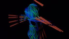 Das Glühen von Linien auf Frau und bemannt die Körper und überrascht Leistung stock video footage