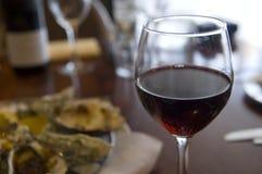 Das Glas des Rotweins Stockfotografie