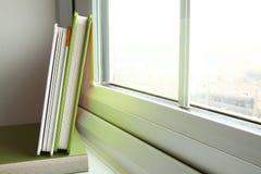Das grüne Abdeckungsbuch Stockfotos