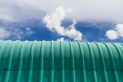 Das grüne Dachmetall Stockfotografie