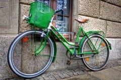 Das grüne Fahrrad Lizenzfreie Stockfotos