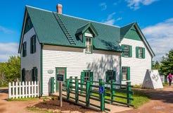 Das grüne Giebelbauernhaus gelegen in Cavendish am Prinzen Edward Island in Kanada stockfotografie