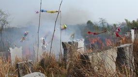 Das Grab in der chinesischen Landschaft stockfoto