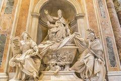 Das Grab von Gregorio XIII in St Peter Basilika vatican rom Stockfotografie