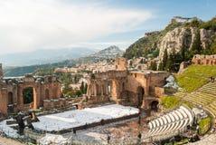 Das griechische Theater von Taormina bedeckte durch Schnee Lizenzfreies Stockbild