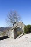 Das große Tor der alten Stadt Buzet in Istria Stockbilder