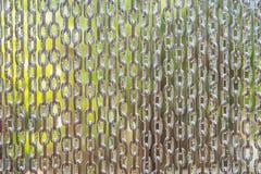 das Hängen rostfrei von der Kette, extrahieren Metall für Hintergrund Stockfotos