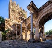 Das Hadrian-` s Tor in Antalya, die Türkei stockfotos