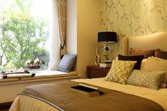 Das Hauptschlafzimmer verzieren stockbild