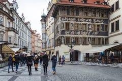 Das Haus an der Minute in Prag, Tschechische Republik Lizenzfreie Stockfotografie