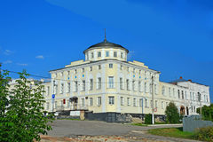 Das Haus von Kaufleuten Alyanchikov auf Kathedralenquadrat in Kasimov-Stadt, Russland Lizenzfreies Stockfoto