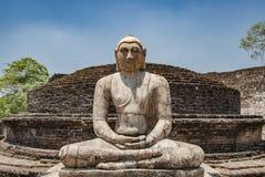 Das heilige Viereck mit Buddha, alte Ruinen in Polonnaruwa in Sri Lanka stockfotos