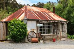 Das historische Geschäft des Schmiedes in Kerikeri, Neuseeland lizenzfreies stockfoto