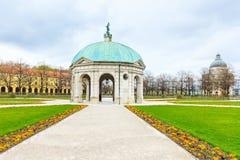 Das Hofgarten von München mit bayerischem Staatskanzleigebäude, München Lizenzfreies Stockbild
