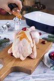 Das Huhn ist roh Das Rezept für ein Abendessen Asiatische Küche Hilfreiches Hauptlebensmittel stockfoto