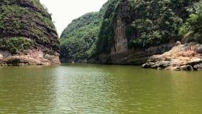Das idyllische Prado-Reservoir Tolima Kolumbien stock footage