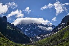 Das Indrasen mit Krone von Wolken Stockbild