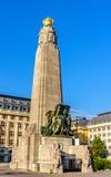 Das Infanterie-Denkmal von Brüssel stockbilder