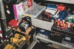 Das Innere des Stra?enrandrettungspackwagens durch die AA im Vereinigten K?nigreich lizenzfreie stockfotografie