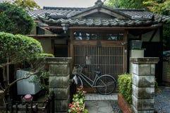 DAS JAPANISCHE TRADITIONELLE HAUS Stockfotos