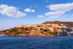 Das Küstendorf von Panteli, Leros-Insel, Griechenland, früh morgens stockbilder