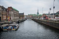 Das Kanalsystem in Kopenhagen dänemark stockfotografie