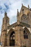 Das Kathedralen-Heilige-Samson in Dol-De-Bretagne stockbilder