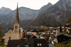 Das kleine Dorf von Hallstatt, Ober?sterreich lizenzfreies stockbild