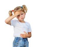 Das kleine Mädchen fiel krank lizenzfreie stockbilder