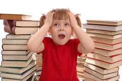 Das kleine Mädchen und ist viele Informationen lizenzfreies stockbild