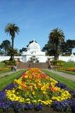 Das Konservatorium von den Blumen, die beim Golden Gate Park in San Francisco errichten Stockbilder