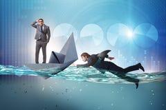 Das Konzept der Gesch?ftsm?nner in Konkurrenz mit Haifisch stockfoto