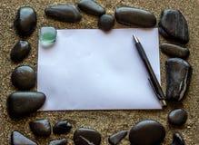 Das Konzept des Schreibens eines Briefes Schwarzes Meer entsteint Form ein Rahmen Stockbild