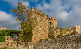 Das Kreuzfahrer-Schloss Byblos Jbeil der Libanon lizenzfreie stockfotografie
