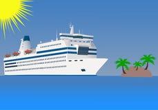 Das Kreuzfahrtschiff schwimmt durch Meer Lizenzfreie Stockfotografie