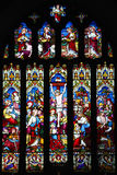 Das Kreuzigungsbuntglasfenster Stockbild
