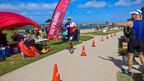 Das Laufen ist normalerweise das letzte Bein eines Triathlon Lizenzfreies Stockbild