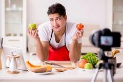 Das Lebensmittelnahrung Blogger-Aufnahmevideo für Blog Stockfoto
